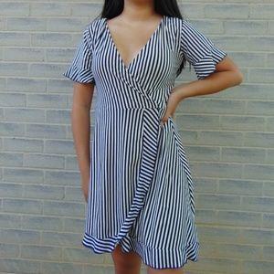 Dresses & Skirts - Flowy Striped Dress